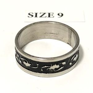 Ring, with Scorpion Pattern Design, Size 9